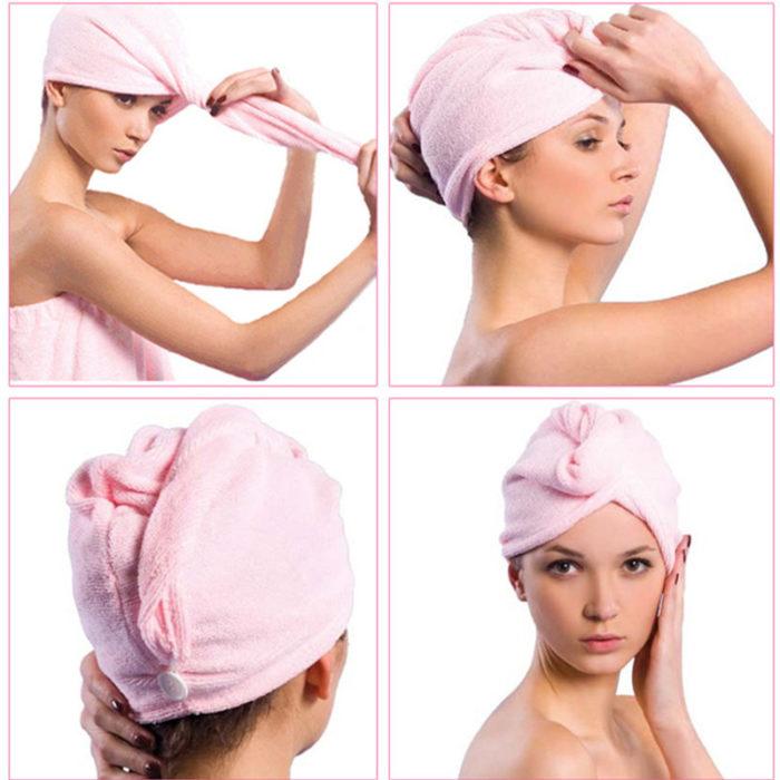 mujer con toalla en la cabeza