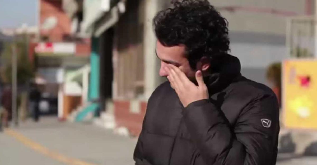 Manos de audición, el proyecto que cambió la vida de Muharrem