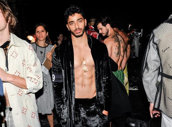 Laith Ashley De La Cruz sin camisa
