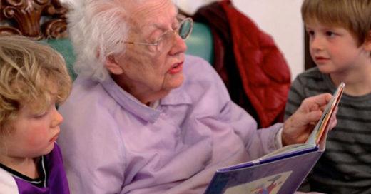 Present Perfect, el proyecto que cambio la vida de niños y ancianos