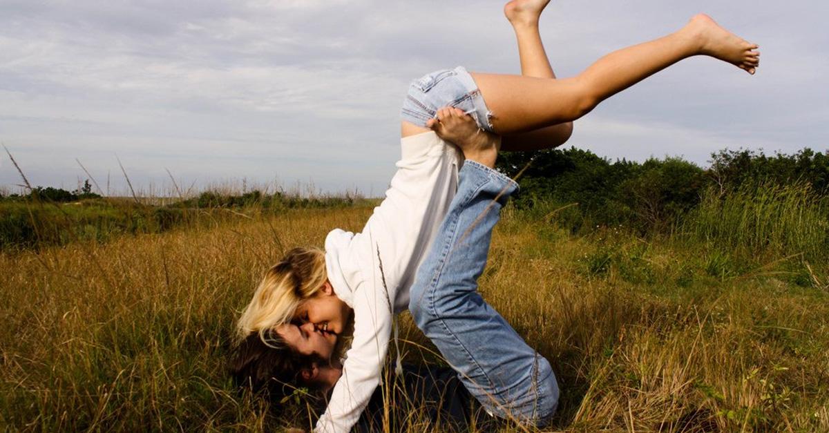 12 Razones por las que las parejas que se conocen a los 20 tienen una relación más fuerte