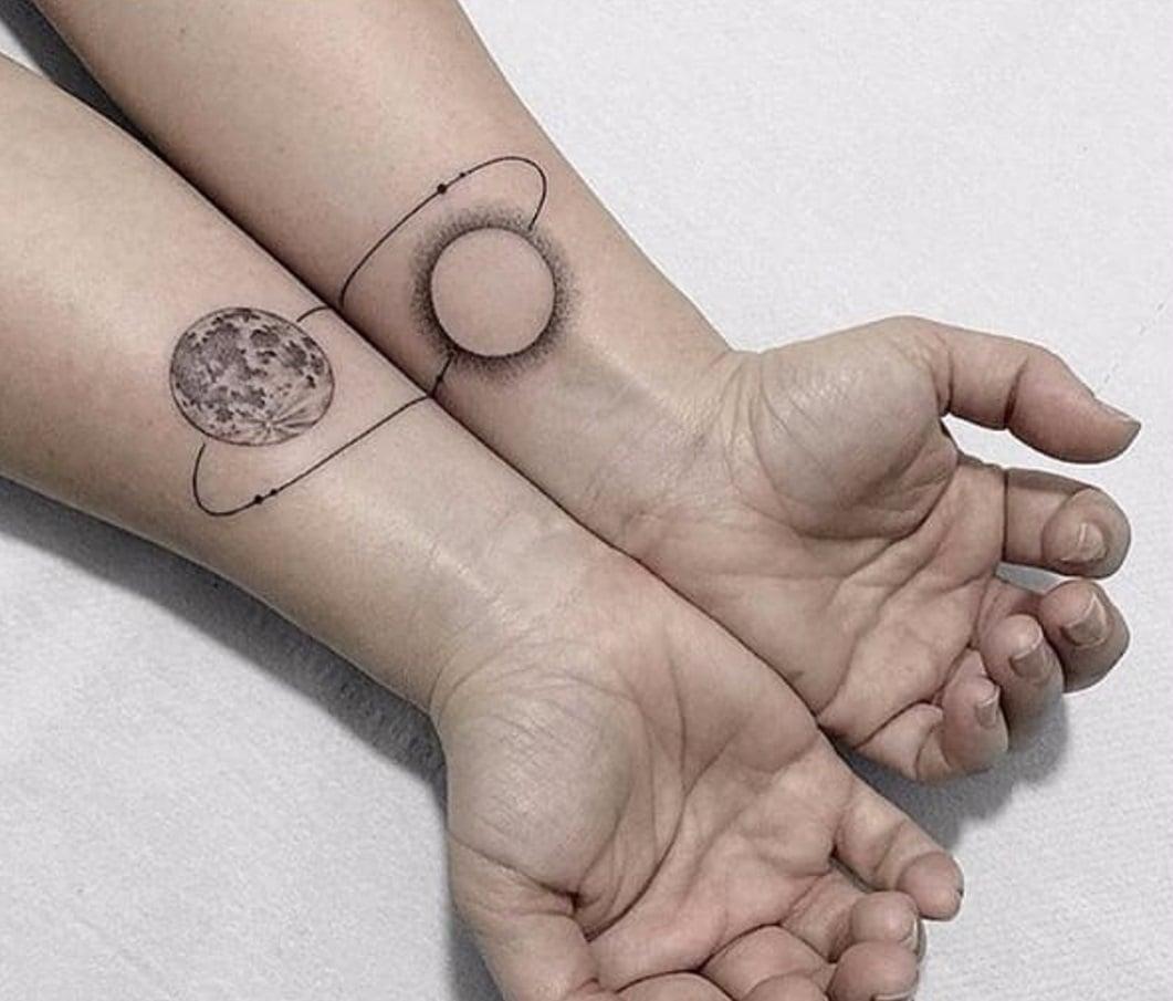 Tatuajes Espaciales Con Planetas Estrellas Y Constelaciones