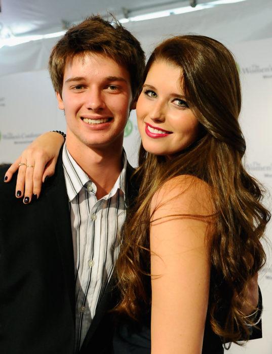 Patrick y Katherine, hijos de Arnold.