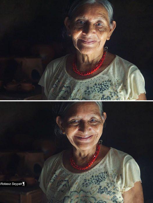 Señora sonriendo tiernamente.