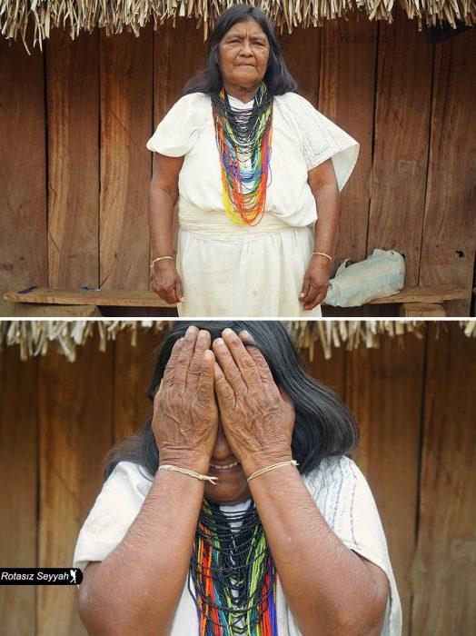 Señora se tapa la cara cuando le dicen que es bonita.