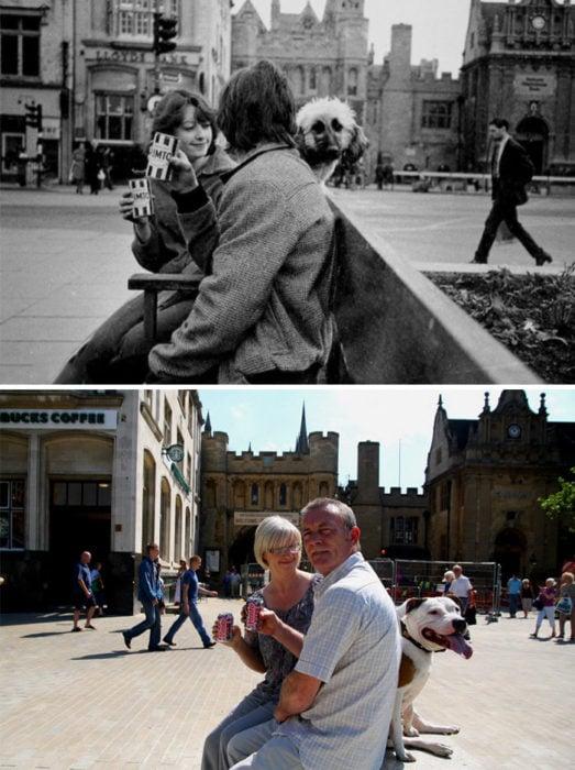 pareja sentada en plaza antes y después de 30 años
