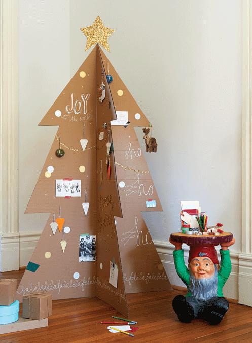 árbol que puedes hacer en 15 minutos con trozos de cartón