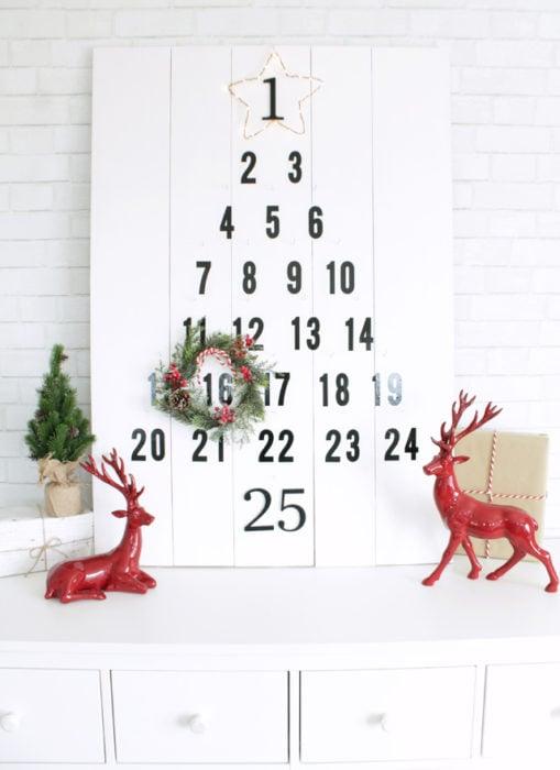 árbol que puedes hacer en 15 minutos con un calendario