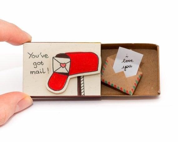 Carta en caja de cerillos