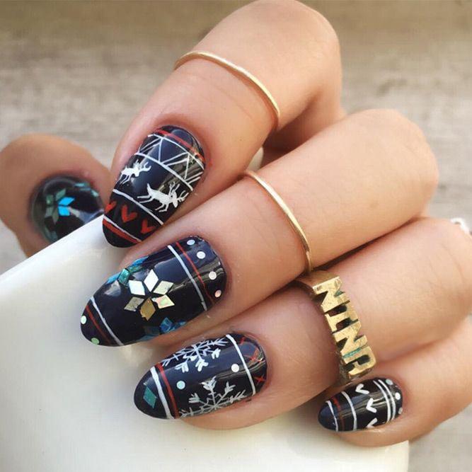 Decoración de uñas navideñas en color azul