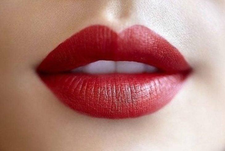 labial mate color rojo