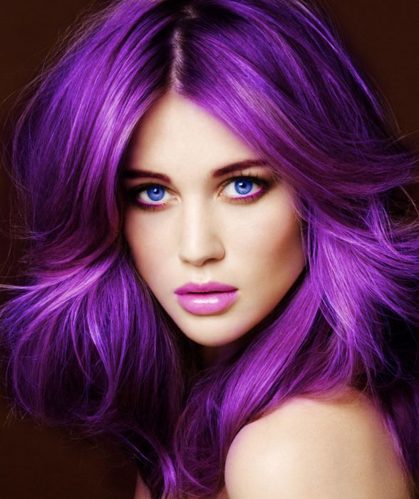 Tono de cabello color purpura
