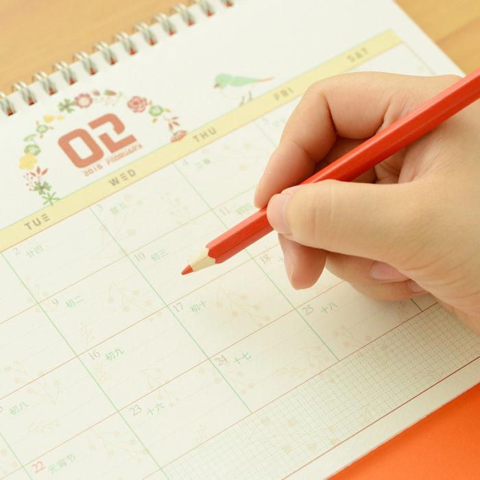 señalando calendario