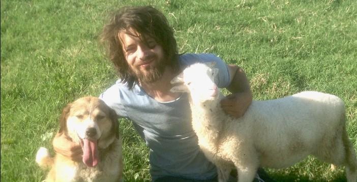 Exmodelo que abandonó todo para crear un refugio para animales