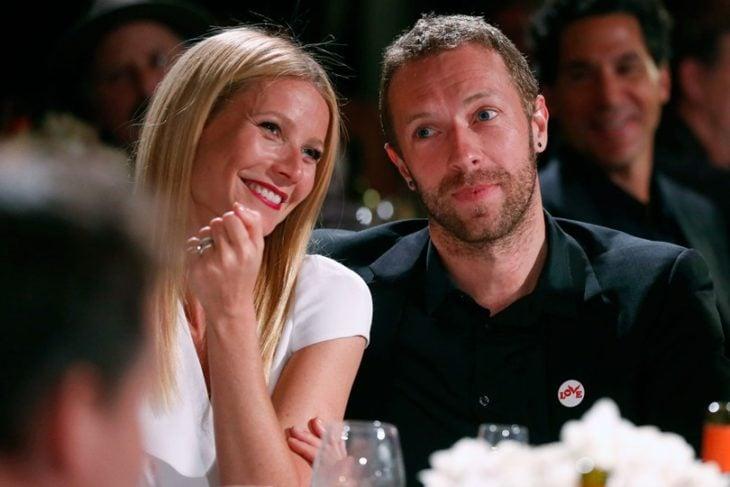Gwyneth Paltrow y Chris Martin durante una cena