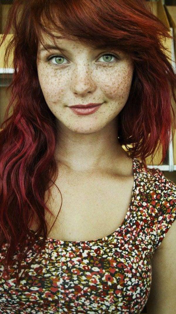 15 mujeres que te demostrarán que las pecas lucen hermosas