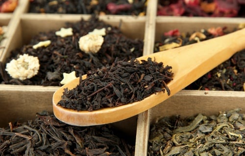 caja con té negro