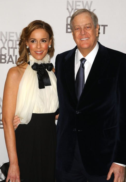 julia margaret flesher junto a su esposo David Koch