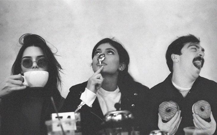 Kirby y Kendall Jenner desayunando