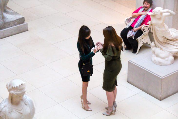Propuesta de matrimonio en un museo