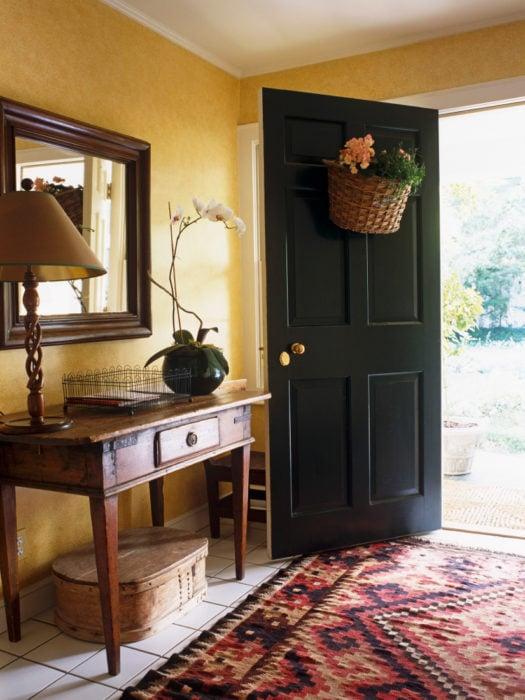 15 consejos para que tu casa tenga olor agradable - Mueble recibidor rustico ...