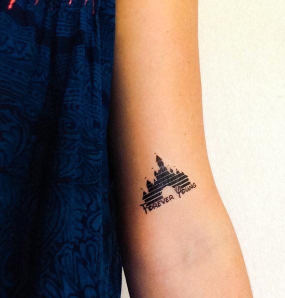 Tatuaje del castillo de Disney