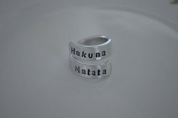 Anillo de Hakuna Matata