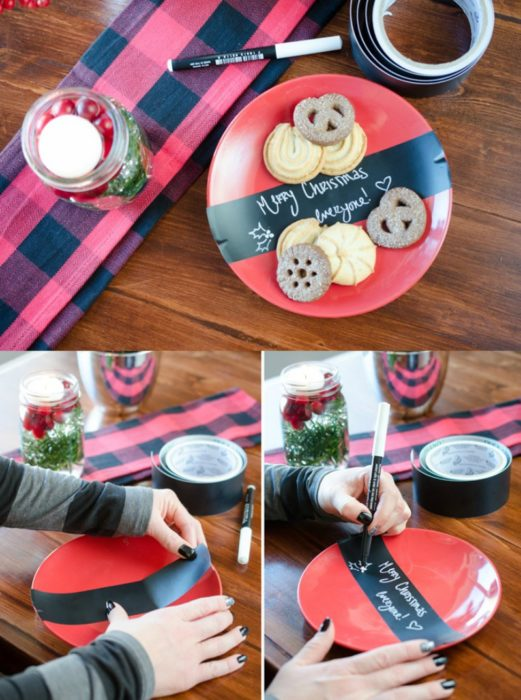 plato con galletas y tira negra con frase