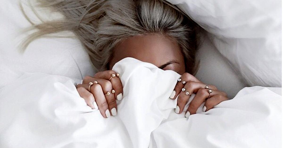 10 increíbles beneficios que obtendrás al dormir sin ropa