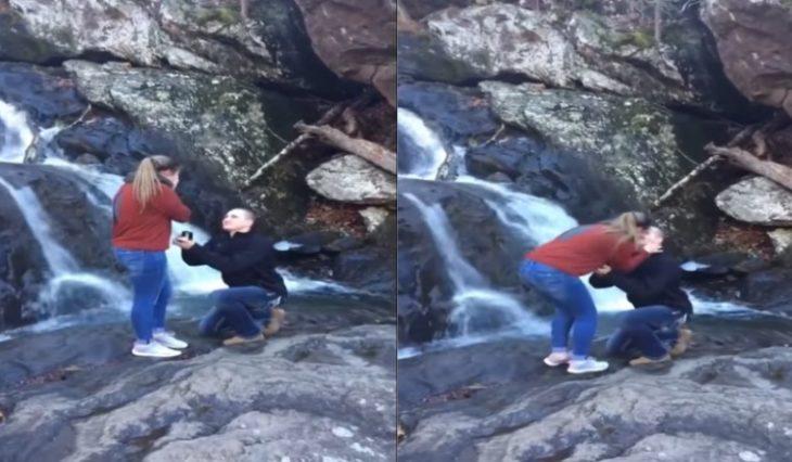 mujer y hombre en cascada