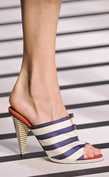 Zapatos de tacon llamados Mules