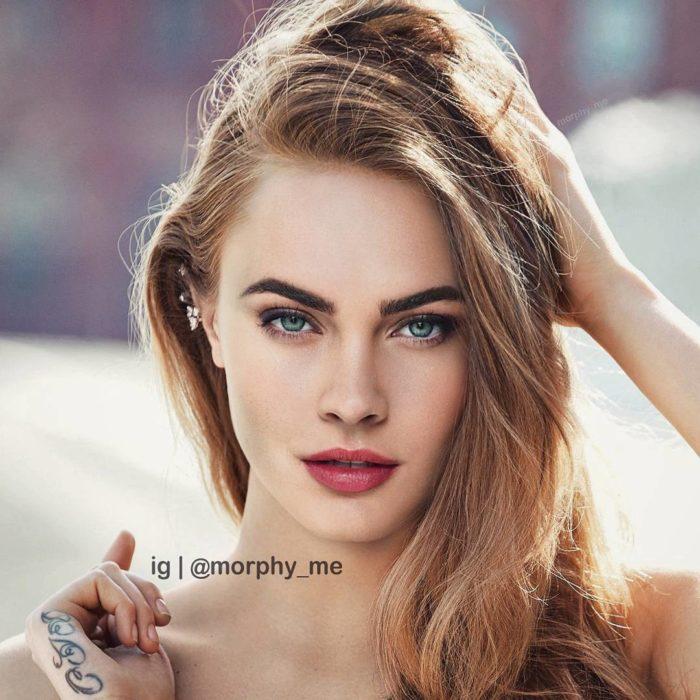 chica rubia de ojos azules