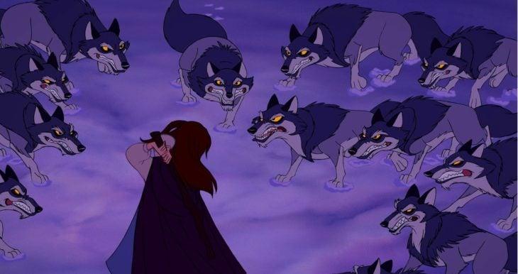 Bella peleando con lobos