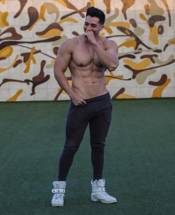 Rodrigo Ramhé chico que es experto en fitness