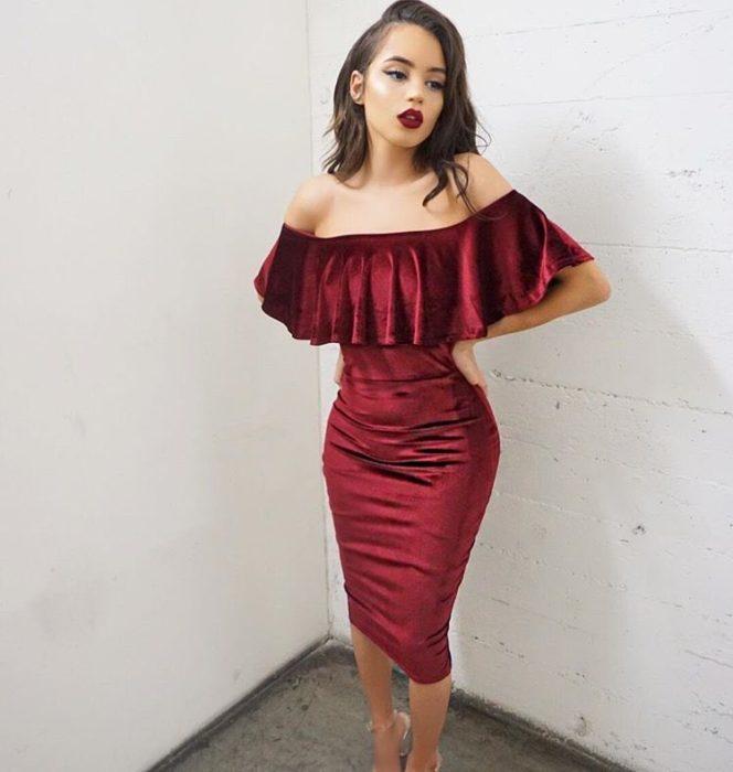 vestido color vino de terciopelo