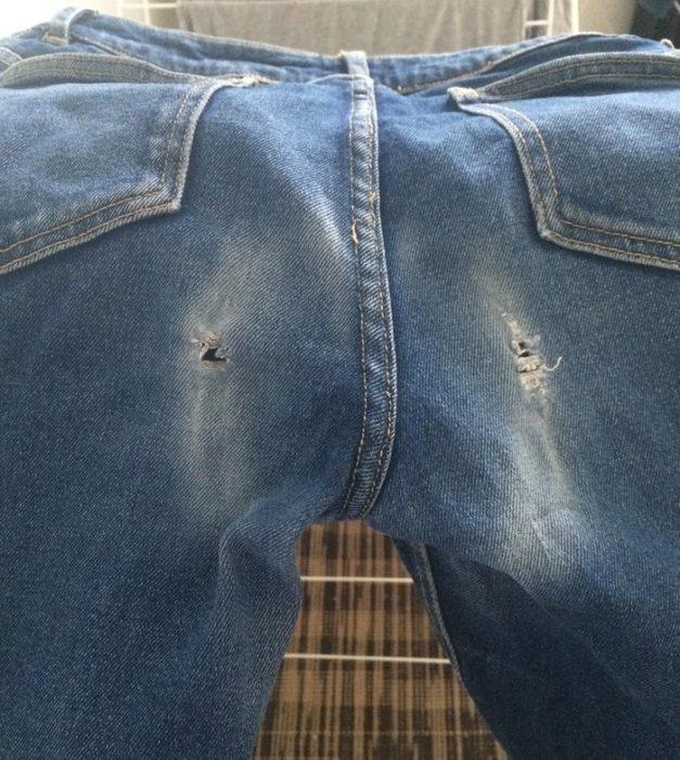 pantalones desgastados