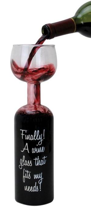 copa en forma de botella para servir vino