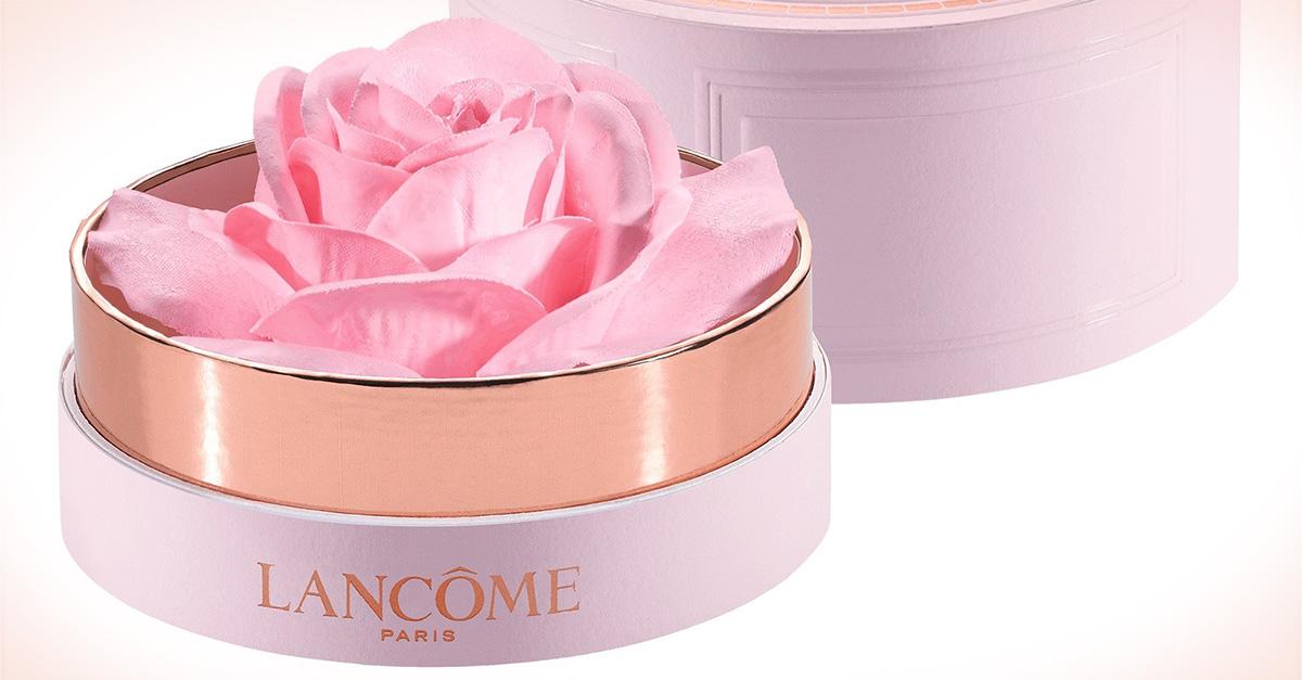 Este iluminador de Lancome es tan delicado como una rosa