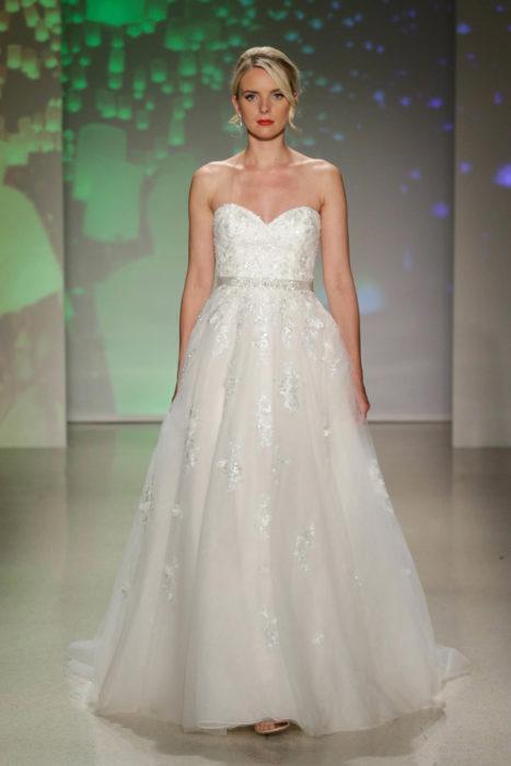 Vestido de novia inspirado en la princesa Rapunzel