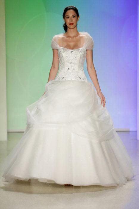 Vestido de novia inspirado en la princesa Bella
