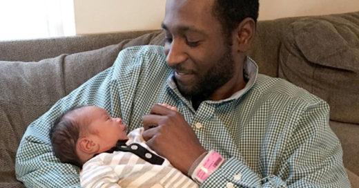 Nada detuvo a este hombre para participar en el nacimiento de su hijo