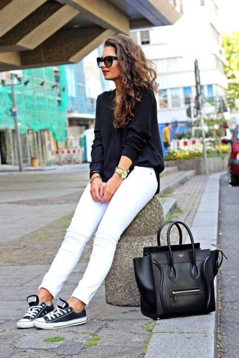 Pantalón blanco negro