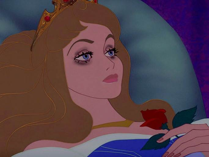 Aurora de la bella durmiente con maquillaje