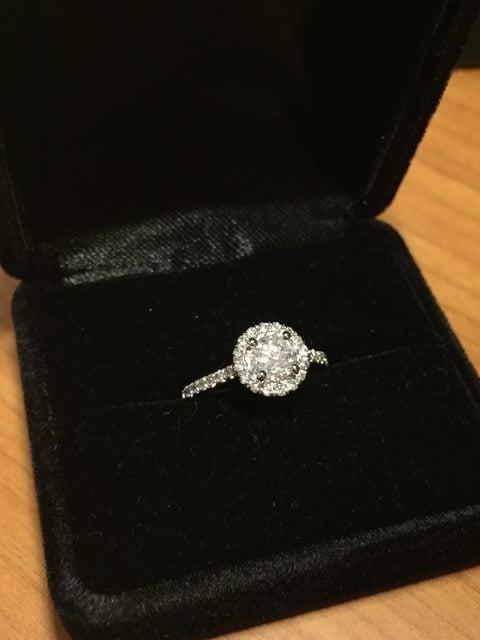 Anillo para una propuesta de matrimonio