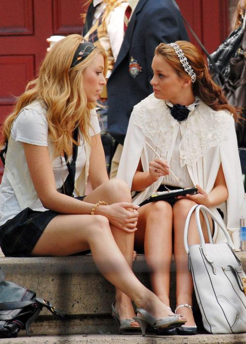 Blair y serena conversando