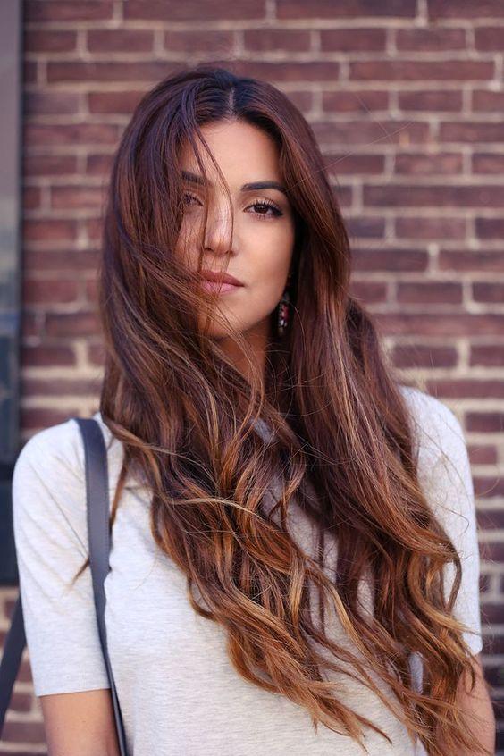 Color de pelo marron cenizo