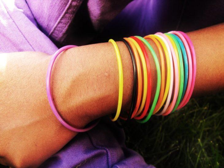 pluseras de colores de hule