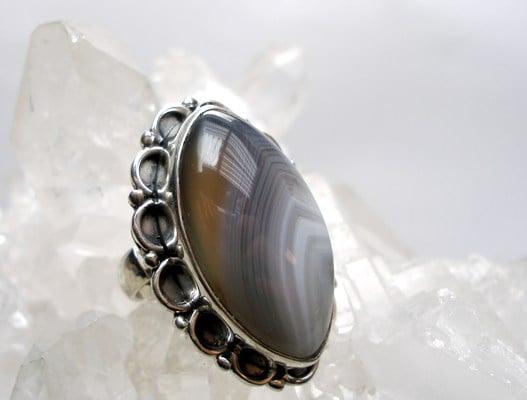 anillo de ágata