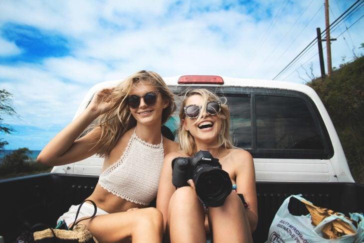 buscando felicidad viaja