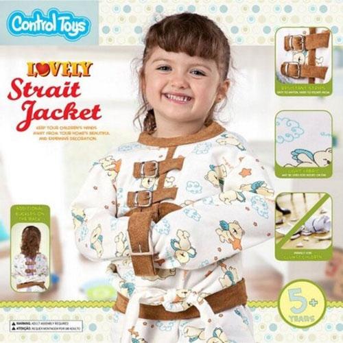 niña con camisa de fuerza